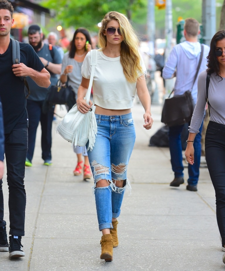 Gigi-Hadid-in-Ripped-Jeans-11